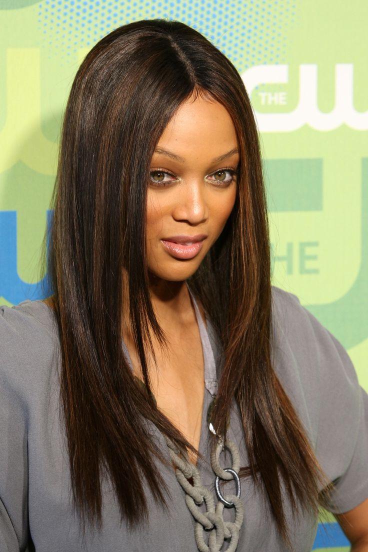 La grande question c'est: qu'est-ce qu'une lacewig ? Comme son nom l'indique, il s'agit d'une wig (= perruque) sur laquelle on a ajouté un petit filet de lace (=…