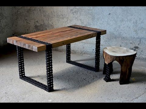 Mesa feita de madeira reaproveitada e corrente de motocicleta vai te imp...