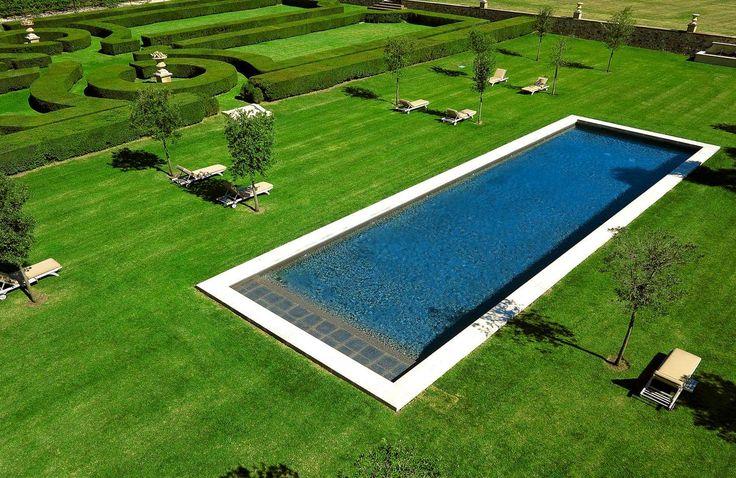 Les 25 meilleures id es de la cat gorie piscine couloir de for Design piscine 47