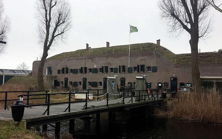 Meewandelen met Uitgever Gegarandeerd Onregelmatig tussen de Grote Rivieren: Fort Bakkerskil