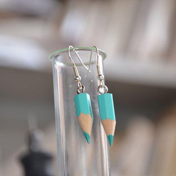 Boucles d'oreilles en crayons de couleur par HAPPYFACTORY sur Etsy