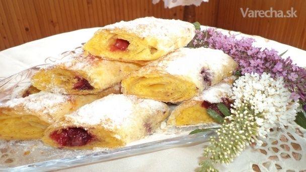 Štrúdľa s piškotovo-ovocnou plnkou (fotorecept)