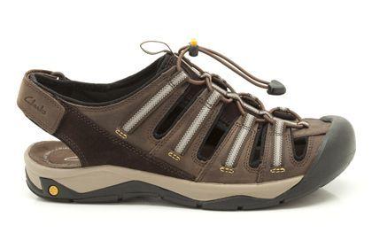 Herren-Wandersandalen mit integrierter Clarks Plus Technologie und hochgezogener Fußschale für noch mehr Zehenschutz. Clarks Virtic Run, 99,95 Euro: http://www.clarks.de/p/20358589