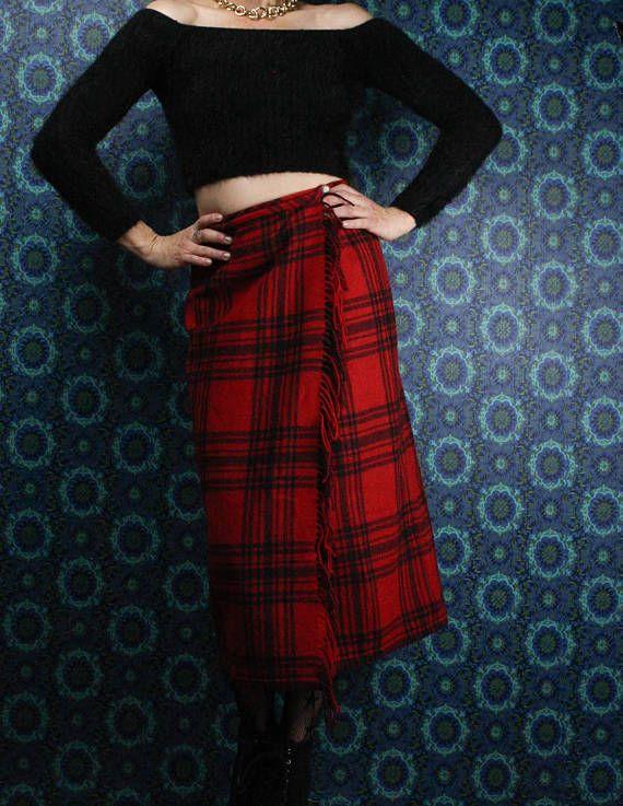 90's Eddie Bauer Skirt in my Etsy shop https://www.etsy.com/ca/listing/570776904/90s-wool-eddie-bauer-skirt-red-black