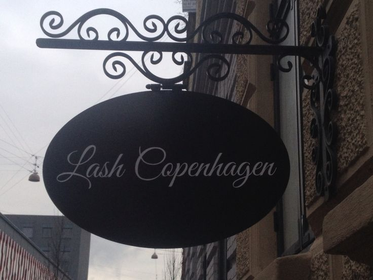 Mit gadeskilt Brysselgade 4 2300 Copenhagen S