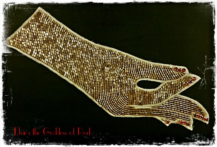 first half of vivetta style beaded collar I'm making.