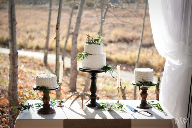 Natural wedding decor by Tara Whittaker Photography + Naturally Chic + Sarah Mayerson Design, cake from Cakeworks #meadowmusepavilion, #greatevents, #calgaryweddingvenue