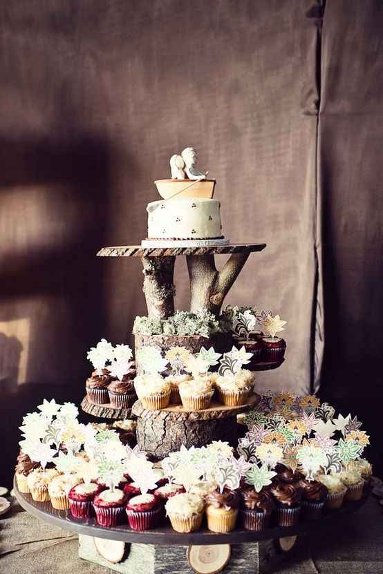 Woodsy Wedding Cake Display. Very cool.