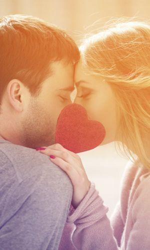 Das sind die 5 Phasen der Liebe, die jedes Paar früher oder später durchläuft! http://www.gofeminin.de/liebe/phasen-einer-beziehung-s1435629.html