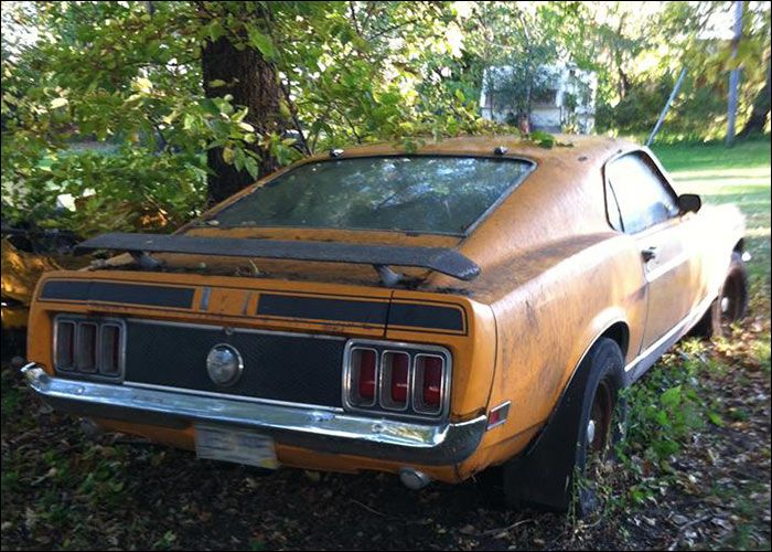 59 best abandoned mopars and muscle cars images on pinterest plymouth runners and mopar. Black Bedroom Furniture Sets. Home Design Ideas
