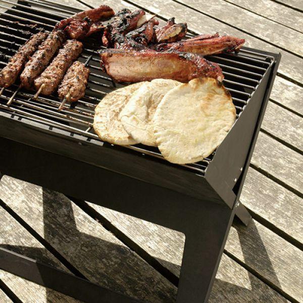 Hordozható faszenes grillező, BBQ asztal. Magaddal viheted kiránduláshoz, nyaraláshoz, vagy ha...-Akciós ár:7490 Ft