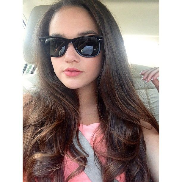 Madison Pettis. Her hair looks great straightened too ★