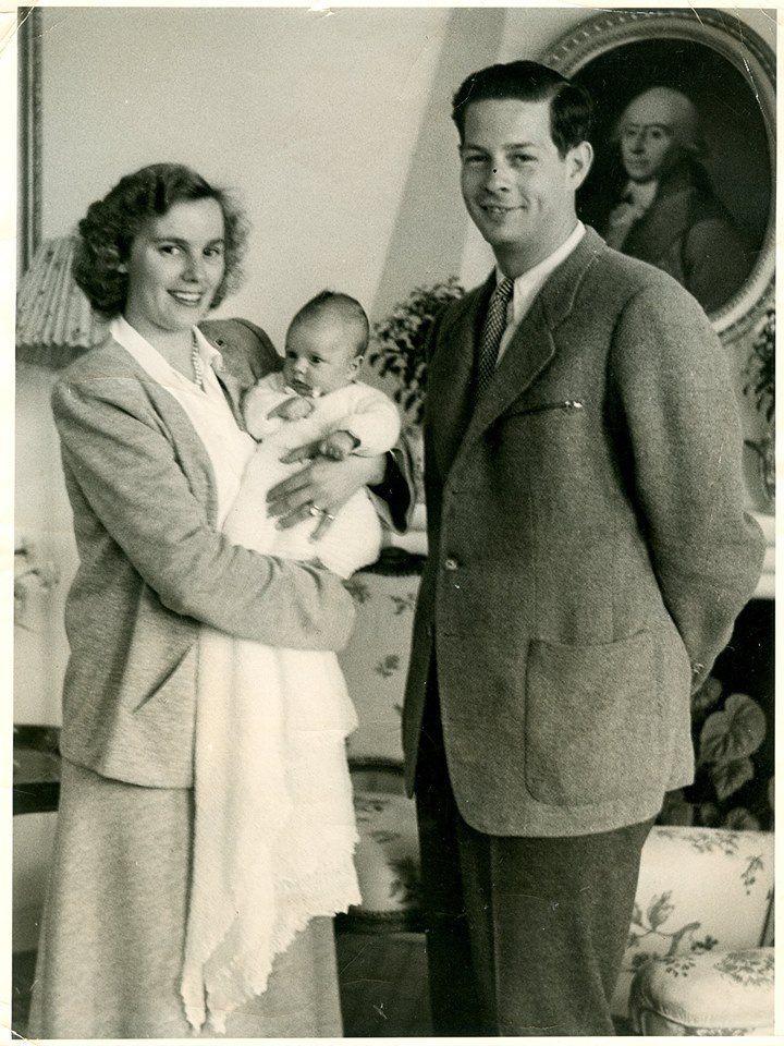 Regele Mihai şi Regina Ana cu Principesa Margareta, Lausanne 1949.