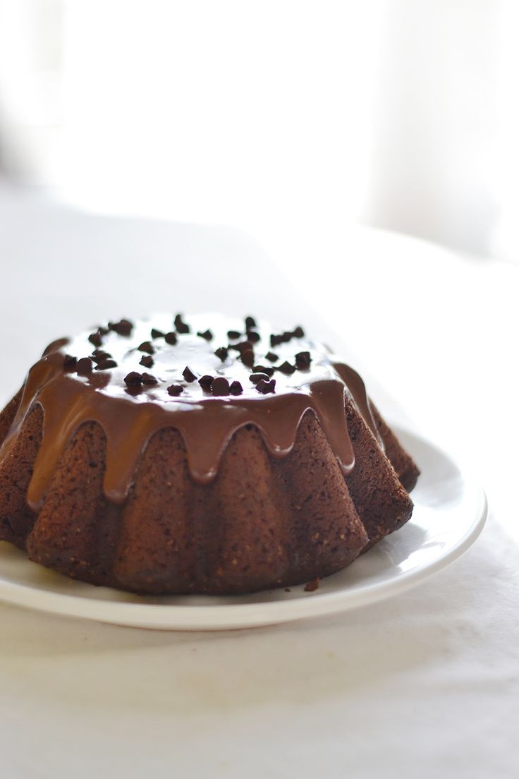 vegan chocolate cake with chocolate coconut oil glaze//.   Well I shall certainly have to try this!!!