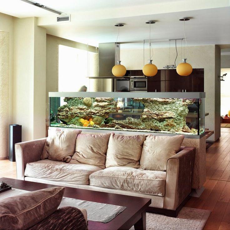 Искусство декорирования комнаты водой: как гармонично вписать аквариум в интерьер гостиной