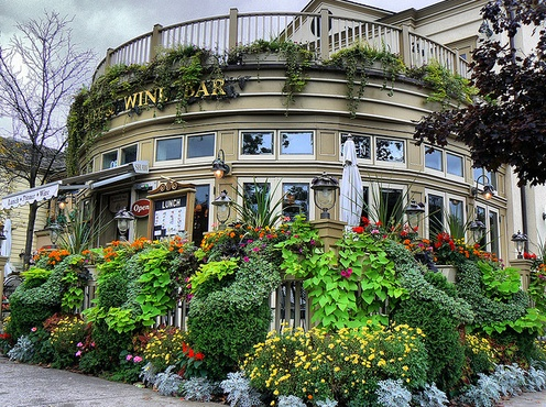 Shaw Cafe and Wine Bar, 92 Queen Street, Niagara-on-the-Lake, ON, L0S1J0  Niagara-on-the-Lake, ON