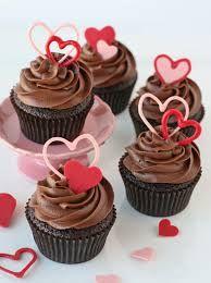 14 Şubat yaklaşırken sevdiğinize kendi ellerinizle hoş bir süpriz yapmak istiyorsanız bu nefis şık ve lezzetli tarifi deneyebilirsiniz..Sevgililer Günü Cupcake'leri  http://www.mutfaknotlari.com/sevgililer-gunu-cupcake-tarifleri.html