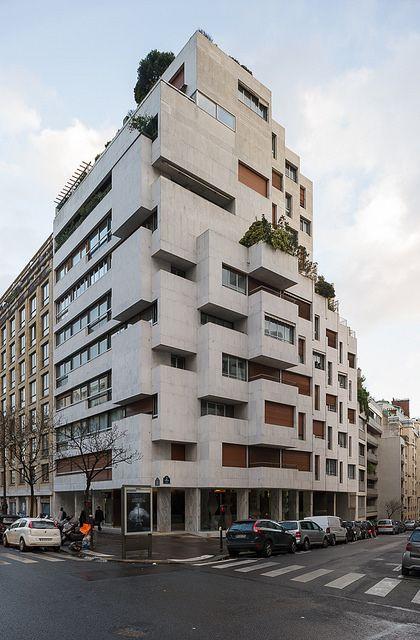 Paris 16e, 25, avenue Paul-Doumer : immeuble de logements (Roger Anger, Mario Heymann, Pierre Puccinelli, atelier de l'Œuf, centre d'études, 1960)