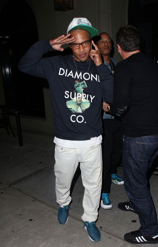 T.I, wearing Nike Air Max 90 Midnight Turquoise