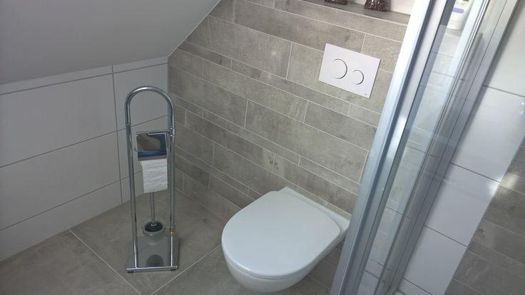 Tegelstrips als achterwand bekleding toilet. Rak Cementina serie ...