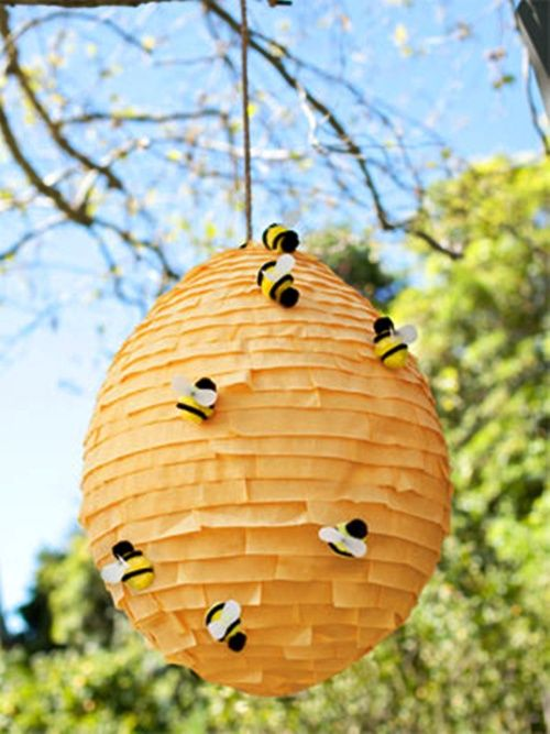 Piñata original: ¿Quién se atreve con la colmena de abejas? …