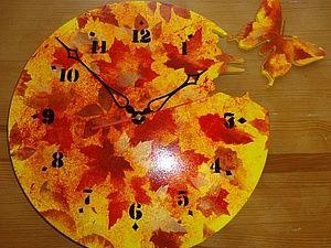 То ли часы, то ли календарь.... Час, двенадцать, восемь...Двигаемся по часовой прямо в осень! Мне очень нужны настенные часы, и я решила сделать их себе сама. И сейчас я покажу, как мы можем сами сделать себе осеннюю красоту, которую в магазине не купишь. Такие часы может сделать каждый. Итак, нам потребуются материалы: 1. Заготовка часов из фанеры диаметром 35 см, толщиной 6 мм: 2. Акриловый грунт. Акриловые краски любых фирм. Оттенки осенние: жел…