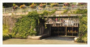 Naviguer depuis Homps en bateau fluvial sans permis http://www.france-passion-plaisance.fr/le-sud/homps.html