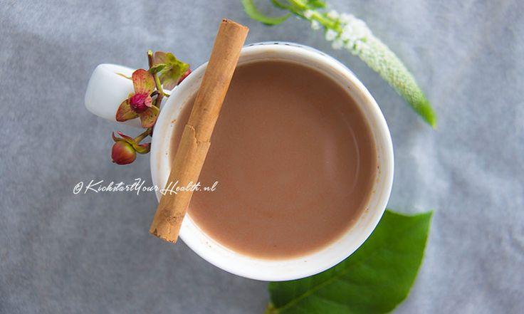 SUIKERVRIJE WARME CHOCOMELK!  Boordevol heilzame kruiden, gemaakt van kokosmelk en dus zuivelvrij.  *Vegan en glutenvrij.