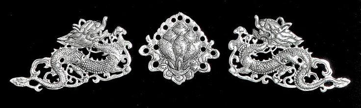 Two Silver White Dragon with Flower in the Middle - Wall Hanging (White metal)