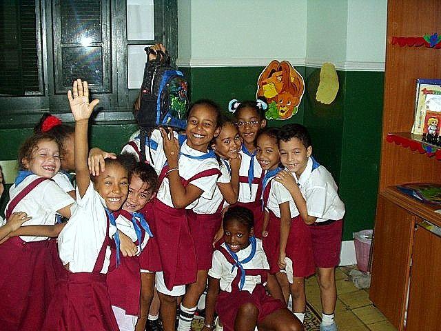 Niños de primaria en la escuela