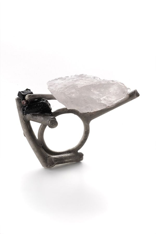 contemporary jewellery: ring by Catalina Brenes