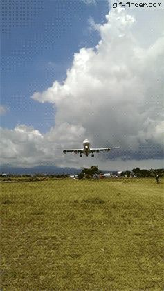 Impressive Airplane Landing | Gif Finder – Find and Share funny animated gifs