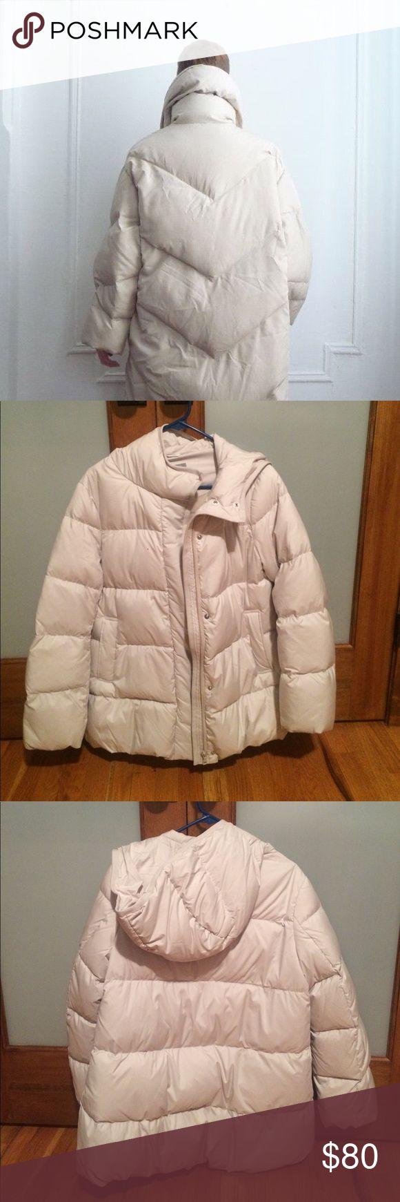 UNIQLO Puffer NWOT UNIQLO cream colored puffer coat with hood. Size medium. Zipper closure with snaps. No trades. Uniqlo Jackets & Coats Puffers