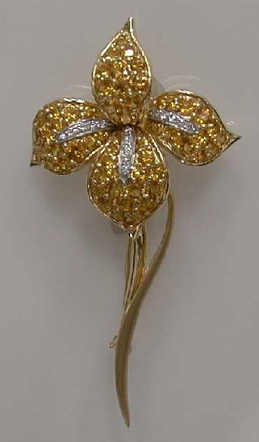Mark Patterson Yellow Sapphire and Diamond Iris.: Brooches Pend, Iris Jewelry, Yellow Gold, Yellow Sapphire, Patterson Yellow, Jewelry Brooches, Jewelry Flowers Pl, Diamonds Irises W, Diamonds Iris W