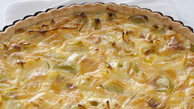 Torta salata con porri e formaggio fresco