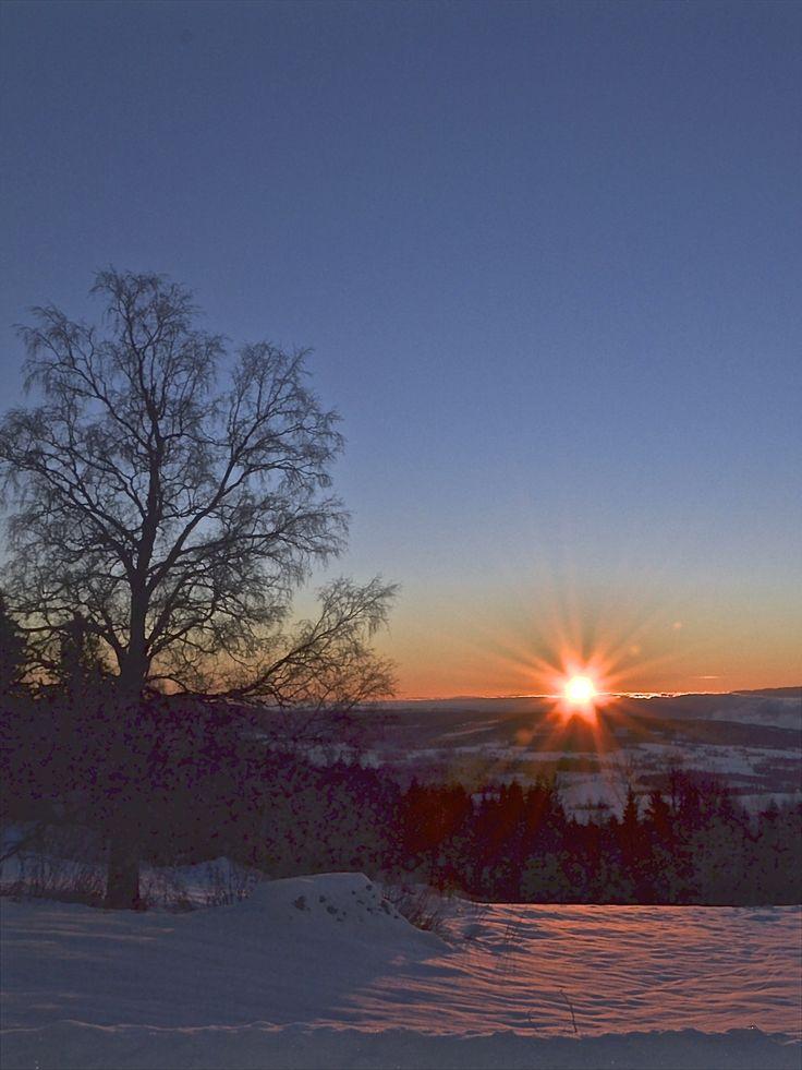 Kollstoppen -  ved soloppgang over Mjøsa.