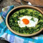 Karalábé- és reteklevél-főzelék curry-vel