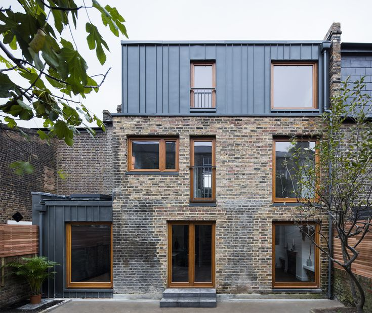 Elfort Road House / Amos Goldreich Architecture
