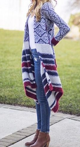 Blanket cardigan + white t-shirt + skinny jeans + ankle boots