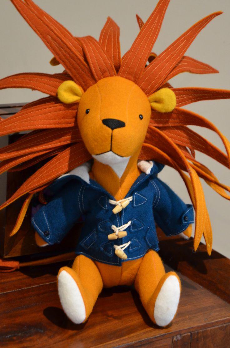 Frankie Lion Pattern by RicRac: http://ricrac.bigcartel.com/
