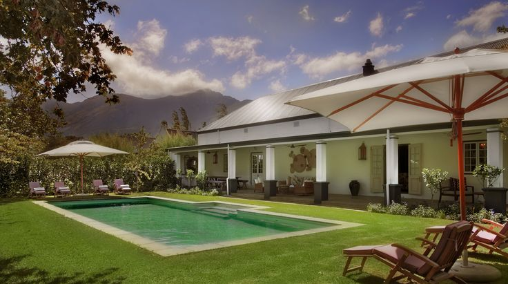 La Grange- 3 bedroom villa with private pool - part of the La Clé des Montagnes collection - 4 luxurious villas on a working wine farm located in Franschhoek -50 minutes from Cape Town -South Africa