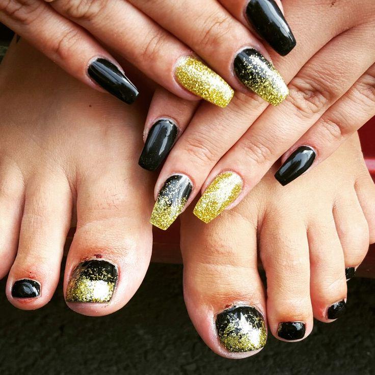 #nails #rhinestones #black #golden #blackandgold #gelnails #nailsidid