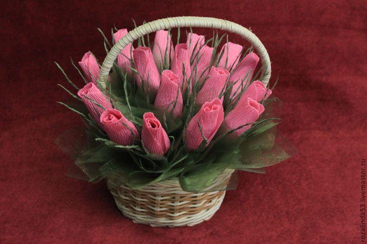 Купить Букет из бутонов в корзинке розовый - розовый, шоколадные конфеты, шоколадный подарок, сладкий букет