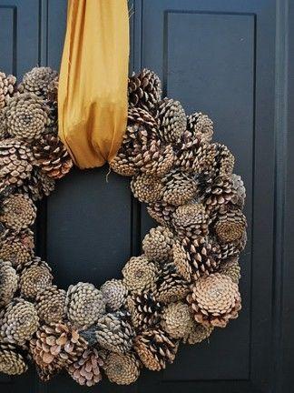 Pinecone wreath - understated elegance