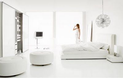White bedroom interior – a feeling of tenderness and purity