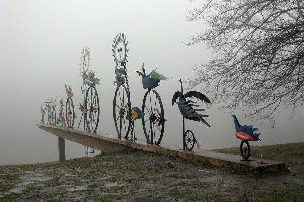 Hasior - Ogniste ptaki, 1975; Szczecin