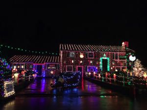 The Best Streets for Amazing Christmas Lights Near The Andovers