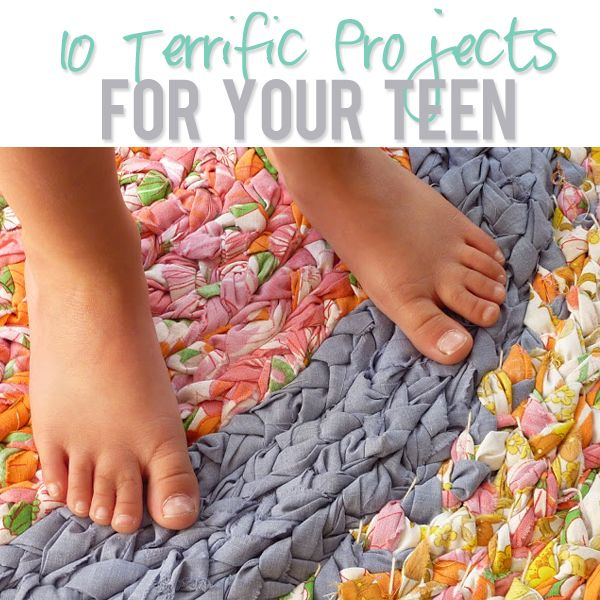 10 Terrific Projects For Your Tweens/Teens!  Braided rug; journal cover; DIY coconut sugar scrub; flower vase makeover; custom colored candy; vintage clothespin frame; creative caddy; lavender lip balm, etc.