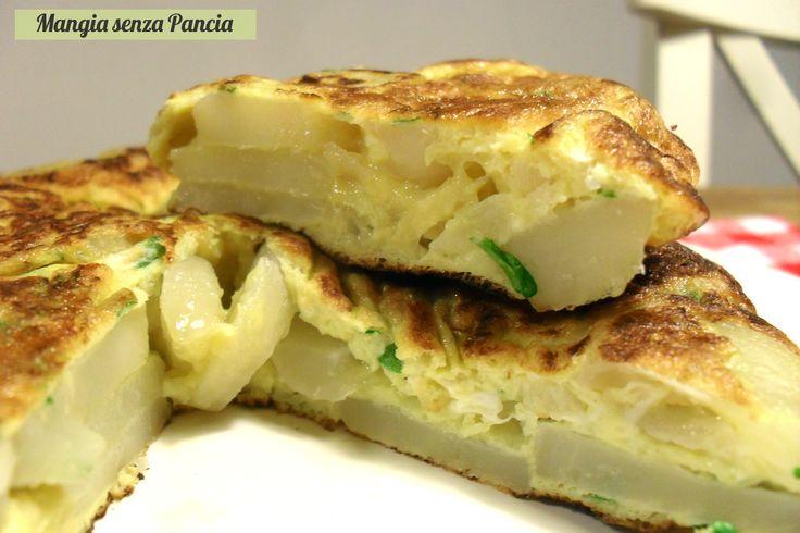 La Frittata di topinambur light è ideale come secondo piatto o antipasto: leggera e gustosa e anche nutriente e molto riempitiva.