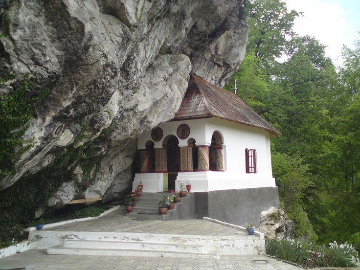 Pahomie hermitage, Oltenia